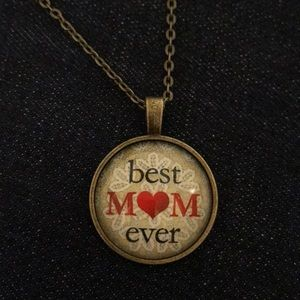 """Best Mom Ever"" Necklace"
